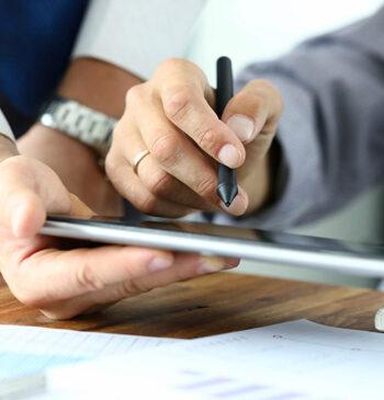 Pessoas físicas e jurídicas, com ou sem certificado digital, facilitam a formalização de documentos com a assinatura híbrida